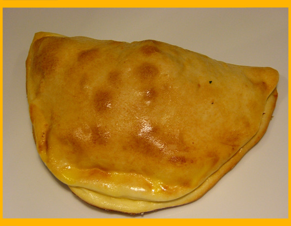 CALZONE AL FORNO HOT DOG